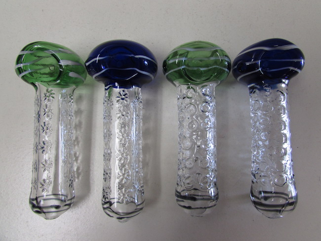 how to clean a pipe glass